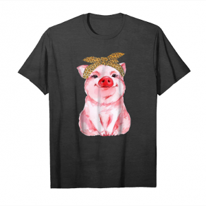Trends Pink Pig Wearing Bandana With The Stylish Leopard Print Scar Unisex T-Shirt
